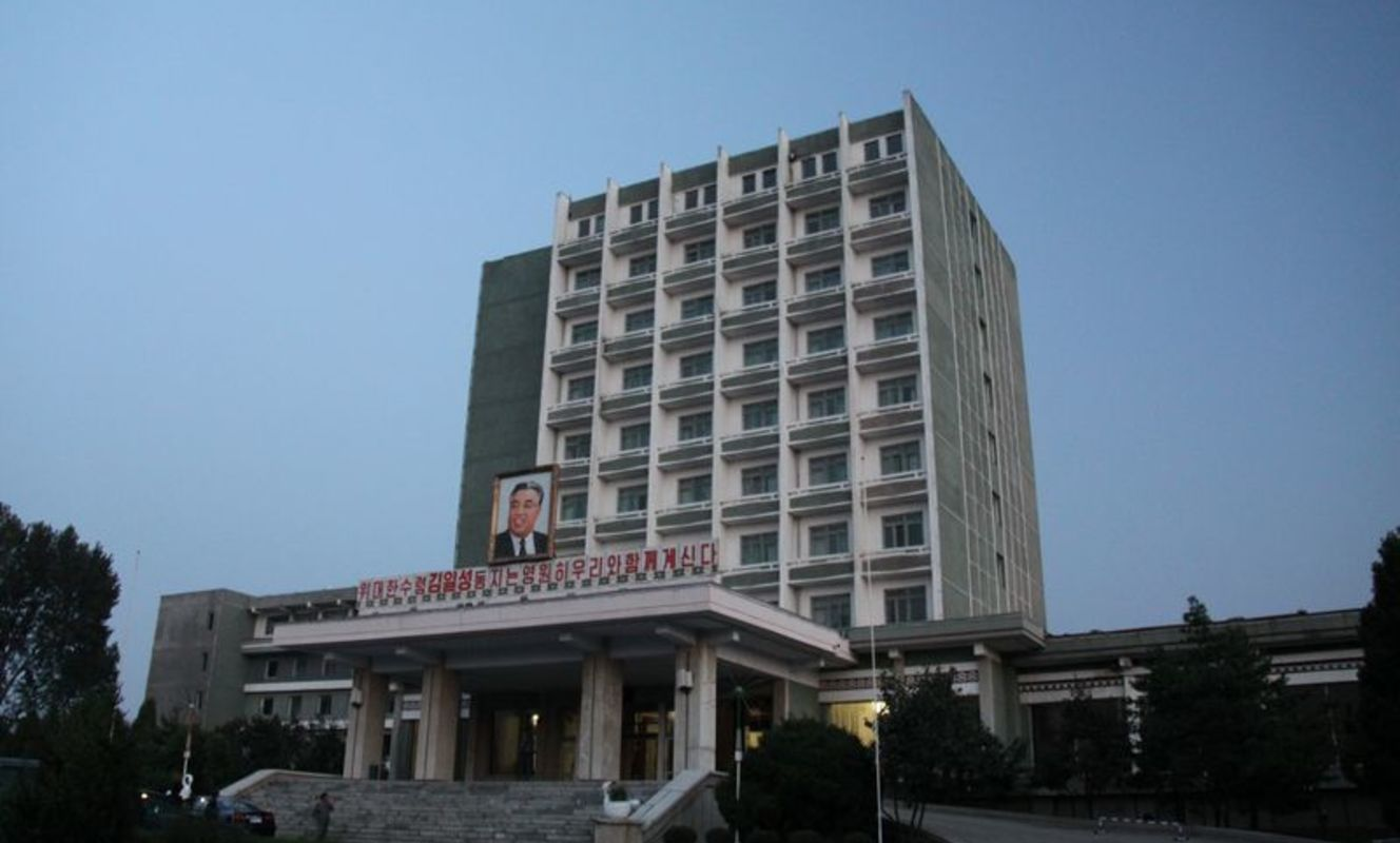 Large tn hangku hotel %288%29